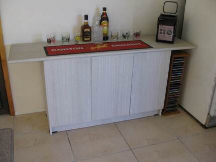 Buffett (with touch doors) Ashmore Gold Coast City Preview
