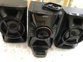 Sony MHC-EC609i Mini Hi-Fi System with Dock for iPod and iPhone