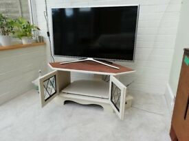 TV stand/oak/cream/old charm style/shabby chic