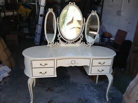 Kidney shaped vintage style dressing table
