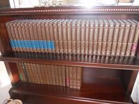 Full Set of Encyclopedia Brittannica Books Including 9 Year Books & Dictionnaries