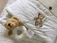 Mamas and Papas unisex nursery set..Cot bumper, baby duvet, blanket, mobile, pictures all in set!