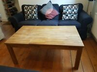 Large Oak Coffee Table, excellent condition. H: 50.5cm W: 72.5cm L:118cm