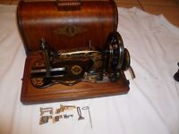 Antique Singer sewing Machine 12k fiddle base hand crank With Accessories