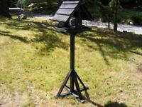 Hutch Company Sarre Bird Table