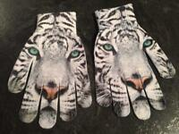 Lovely Snow tiger print gloves
