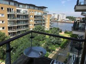One stunning riverside double w/ensuite (room 2)