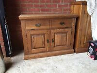 Solid Oak TV cabinet / cupboard - custom made great condition