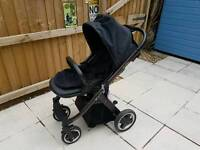 Oyster complete travel system in black