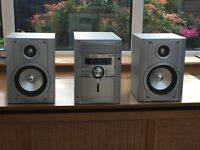 Sharp audio unit with 5 CD multi-changer