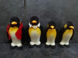 Sylvanian - De Burg Penguin Family ... Postage Available