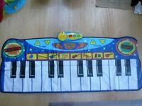 Kids floor piano large keyboard