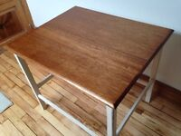 Table in very good condition