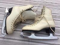 Ladies Ice Skates Size 5