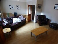 NO BOND! DSS WELCOME! STUNNING MASSIVE 2 BED IMACULATE UPPER FLAT. SUNDERLAND ROAD GATESHEAD