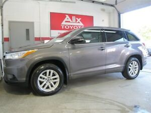 2016 Toyota Highlander LE 8 passagers AWD V6