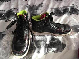 Size 6 trainers
