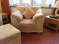 Immaculate Cream 3 seater sofa and 2 armchairs