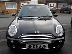 BLACK MINI COOPER 1.6 2005 MANUAL PETROL IN VERY NICE CONDITION