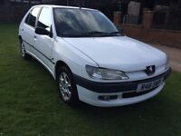 Peugeot 306 VERY LOW MIEAGE CAR! CHEAP RUN AND LOW TAX! FULL SERVICE HISTORY !