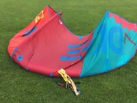 North Dice Kitesurfing Kites 7m and 10m Plus 2 Bars