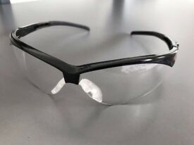 Laboratory (Lab) safety spectacles (specs /goggles)
