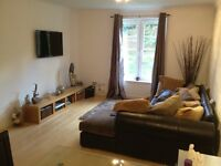 Lovely two bed flat available in canonmills area
