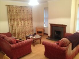 2 Bedroom Furnished Ground Floor Apartment With Car Parking Belfast Area