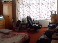 1 bed flat Newbedford rd- park view!!
