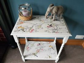 Vintage side table/lamp table