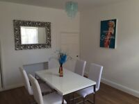 Lovely rooms in a stunning house in wigston - professionals only