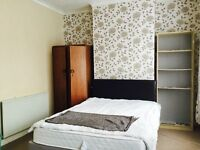 Tidy Double Bedroom in Manor Park Eastham
