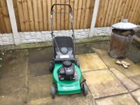 Qualcast 46sp self propelled petrol Lawnmower With Briggs and Stratton 450 seires 148cc engine