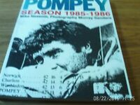 Pompey Season 1985 - 1986 - Mike Neasom - book + programme