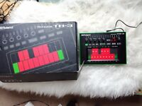Roland Aira TB3 touchscreen bassline Synthesizer