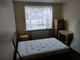 Nice large size double room to rent