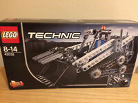 LEGO Technic 42032 - LOADER & SNOW GROOMER, 2 in 1
