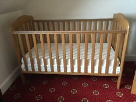 Beautiful Wooden Cot converts to Junior Bed, Lovely condition