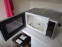Microwave Morphy Richards 900w P90D23AL-B7/H