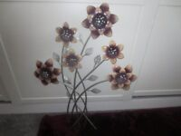 Nearly new! Wall Art - Floral/metal very good condition
