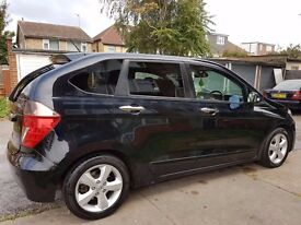 Black Honda FRV 2007 model reduced to QUICK SALE