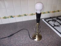 Metal table lamp very good condition