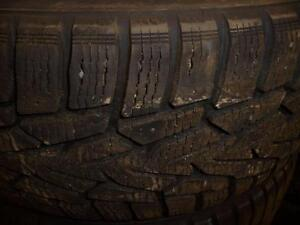4 pneus d'hiver 225/60/16 Nokian Hakkapeliitta 7