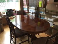 6/8 seater extendable oval table (from multiyork) and four chairs