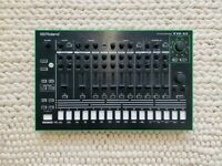ROLAND TR-8 drum machine.