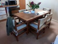 For Sale. Dining Room Table and 6 Chairs.