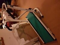 Manual exercise treadmill