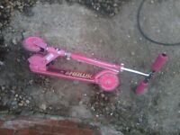 GIRLS PINK SCOOTER TRIKE, PERFECT FOR CHRISTMAS JUNIOR
