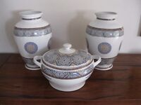 Set of (3) Moroccan vases/bowl