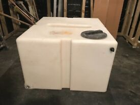 500 litre baffled water tank. Used for pure water window cleaning only.